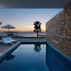 Отель Paradise Cove Luxurious Beach Villas Кипр, Пафос - отзывы, цены и фото номеров - забронировать отель Paradise Cove Luxurious Beach Villas онлайн бассейн