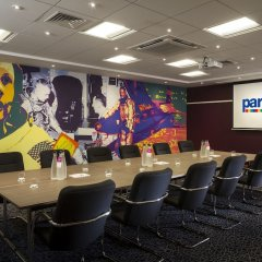Отель Park Inn by Radisson London Heathrow фото 2