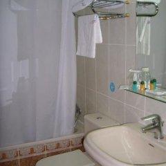 Отель Hostal Centro Sol Испания, Мадрид - отзывы, цены и фото номеров - забронировать отель Hostal Centro Sol онлайн ванная