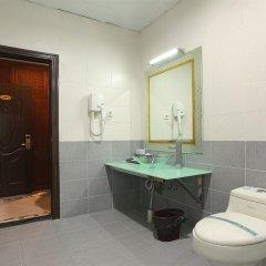 Отель Yingfeng Business ванная фото 2