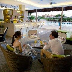Отель Parkroyal On Beach Road Сингапур гостиничный бар
