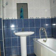 Гостиница Апарт Отель Уют в Ейске отзывы, цены и фото номеров - забронировать гостиницу Апарт Отель Уют онлайн Ейск ванная фото 2