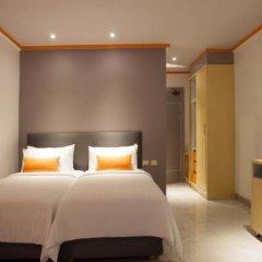 Chabana Kamala Hotel сейф в номере