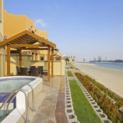 Отель Bespoke Residences-Luxury Frond A Villas балкон