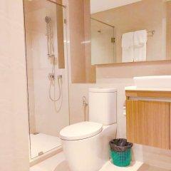Отель Locals Sukhumvit ThongLor Vtara 36 Бангкок ванная