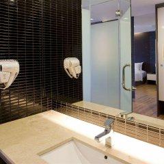 Отель Trinity Silom Hotel Таиланд, Бангкок - 2 отзыва об отеле, цены и фото номеров - забронировать отель Trinity Silom Hotel онлайн ванная фото 2