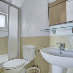 Отель Jason 8 Villa Кипр, Протарас - отзывы, цены и фото номеров - забронировать отель Jason 8 Villa онлайн ванная фото 2