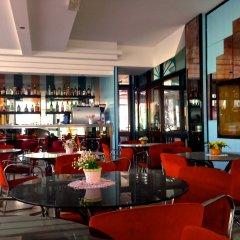 Hotel Carlton Beach гостиничный бар