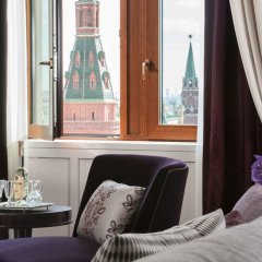 Гостиница Four Seasons Hotel Moscow в Москве 2 отзыва об отеле, цены и фото номеров - забронировать гостиницу Four Seasons Hotel Moscow онлайн Москва комната для гостей фото 4