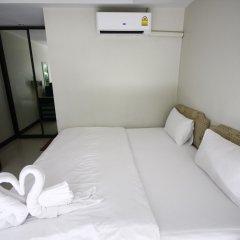 Отель Dang Sea Beach Bungalow сейф в номере