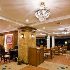 Отель Jiraporn Hill Resort питание