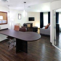 Отель Candlewood Suites Queretaro Juriquilla комната для гостей