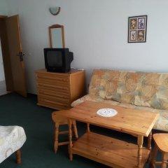 Nely Family Hotel Поморие комната для гостей