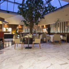 Отель Radisson Blu Scandinavia Hotel, Aarhus Дания, Орхус - отзывы, цены и фото номеров - забронировать отель Radisson Blu Scandinavia Hotel, Aarhus онлайн гостиничный бар