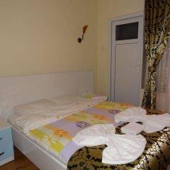 Отель Tulip Guesthouse сейф в номере
