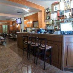 Hotel Kris Смолян гостиничный бар