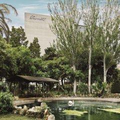Отель Fairmont Rey Juan Carlos I Барселона приотельная территория