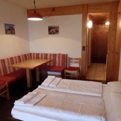 Отель Top Residence Kurz Сеналес комната для гостей