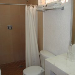 Sands Acapulco Hotel & Bungalows ванная