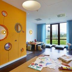 Гостиница Radisson Blu Resort Bukovel Украина, Буковель - 3 отзыва об отеле, цены и фото номеров - забронировать гостиницу Radisson Blu Resort Bukovel онлайн детские мероприятия