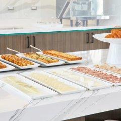Отель AC Hotel by Marriott Phoenix Biltmore США, Финикс - отзывы, цены и фото номеров - забронировать отель AC Hotel by Marriott Phoenix Biltmore онлайн питание фото 2