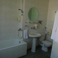 Отель Ustra Болгария, Карджали - отзывы, цены и фото номеров - забронировать отель Ustra онлайн ванная