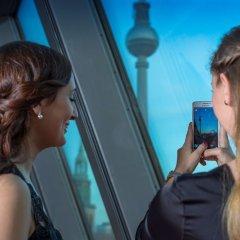 Отель Radisson Blu Hotel, Berlin Германия, Берлин - - забронировать отель Radisson Blu Hotel, Berlin, цены и фото номеров приотельная территория