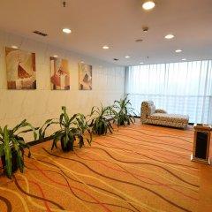 Отель Joyful star Hotel Pu Dong Airport WanXia Китай, Шанхай - 1 отзыв об отеле, цены и фото номеров - забронировать отель Joyful star Hotel Pu Dong Airport WanXia онлайн бассейн