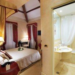 Отель A La Commedia Венеция сейф в номере