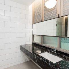 Отель Sugar Marina Resort - Cliff Hanger Aonang ванная фото 2