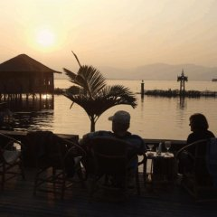 Отель Paradise Inle Resort бассейн
