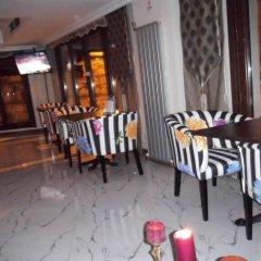 Отель Daphne гостиничный бар