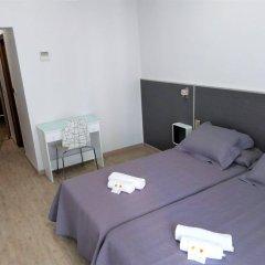 Отель Hostal Jemasaca-Palma61 Испания, Мадрид - отзывы, цены и фото номеров - забронировать отель Hostal Jemasaca-Palma61 онлайн комната для гостей фото 5