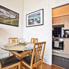 Отель 2 Bedroom Flat in Central Edinburgh Эдинбург в номере
