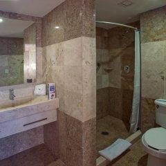 Отель City Express Buenavista ванная