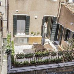 Отель Grand Canal Rialto Palace Lift Италия, Венеция - отзывы, цены и фото номеров - забронировать отель Grand Canal Rialto Palace Lift онлайн балкон