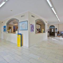 Hotel Calimera Es Talaial интерьер отеля