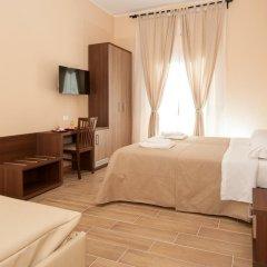 Отель Trinity Guest House Италия, Рим - отзывы, цены и фото номеров - забронировать отель Trinity Guest House онлайн сейф в номере