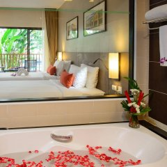 Отель Deevana Plaza Phuket ванная фото 2