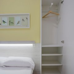 Апартаменты Bbarcelona Apartments Sagrada Familia Terrace Flats Барселона сейф в номере