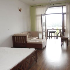 Отель Thumbelina Apartments & Hotel Шри-Ланка, Бентота - отзывы, цены и фото номеров - забронировать отель Thumbelina Apartments & Hotel онлайн комната для гостей фото 2