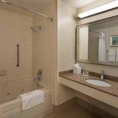 Отель Holiday Inn Lido Beach, Sarasota ванная