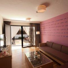 Отель R2 Romantic Fantasia Suites Испания, Тарахалехо - отзывы, цены и фото номеров - забронировать отель R2 Romantic Fantasia Suites онлайн интерьер отеля