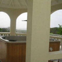 Отель Retreat Guest House Ямайка, Дискавери-Бей - отзывы, цены и фото номеров - забронировать отель Retreat Guest House онлайн бассейн фото 2