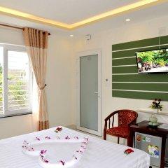 Отель Nuni Homestay Хойан комната для гостей фото 4