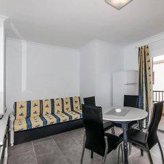 Отель Apartamentos YourHouse Alcudia комната для гостей