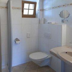 Отель Aparthotel Bergland Австрия, Зёлль - отзывы, цены и фото номеров - забронировать отель Aparthotel Bergland онлайн ванная фото 2