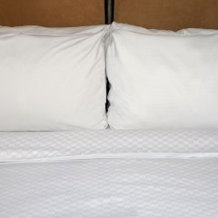 Отель Four Points By Sheraton Columbus - Polaris Колумбус сейф в номере