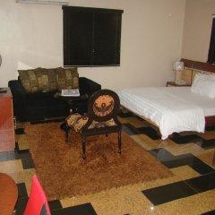 Отель Charlies Place And Suite детские мероприятия