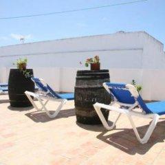 Отель Hostal Torre de Guzman Испания, Кониль-де-ла-Фронтера - отзывы, цены и фото номеров - забронировать отель Hostal Torre de Guzman онлайн бассейн фото 3